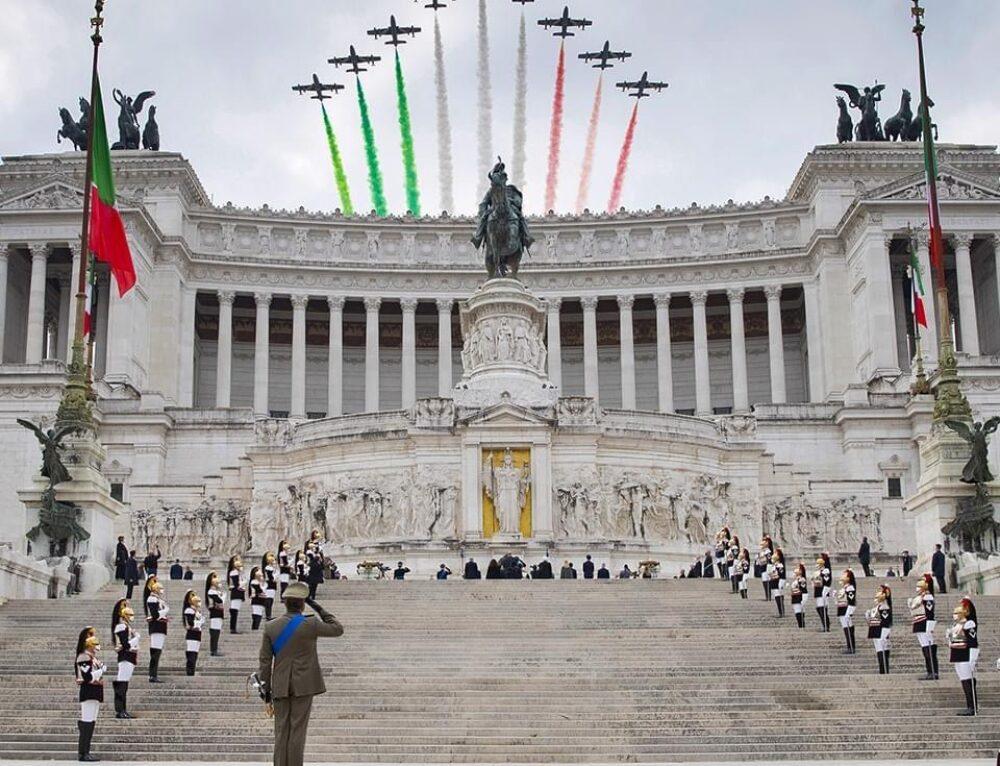 """"""" VIVA LE FORZE ARMATE, VIVA L'ITALIA- VIVA I PATRIOTI!"""""""